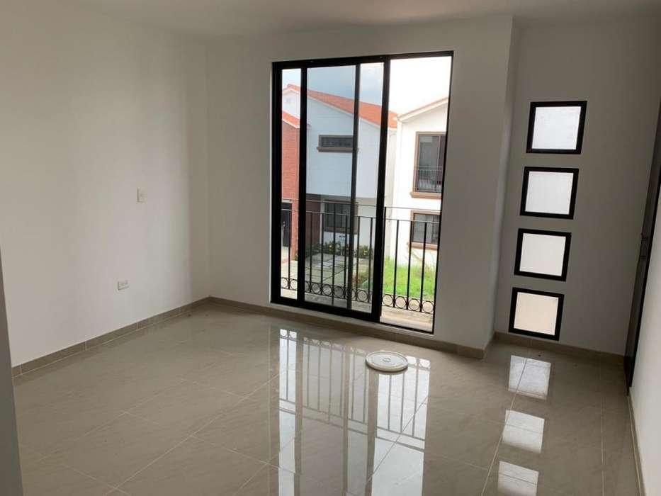 En alquiler casa en Urbanización Napoli 4 dormitorios