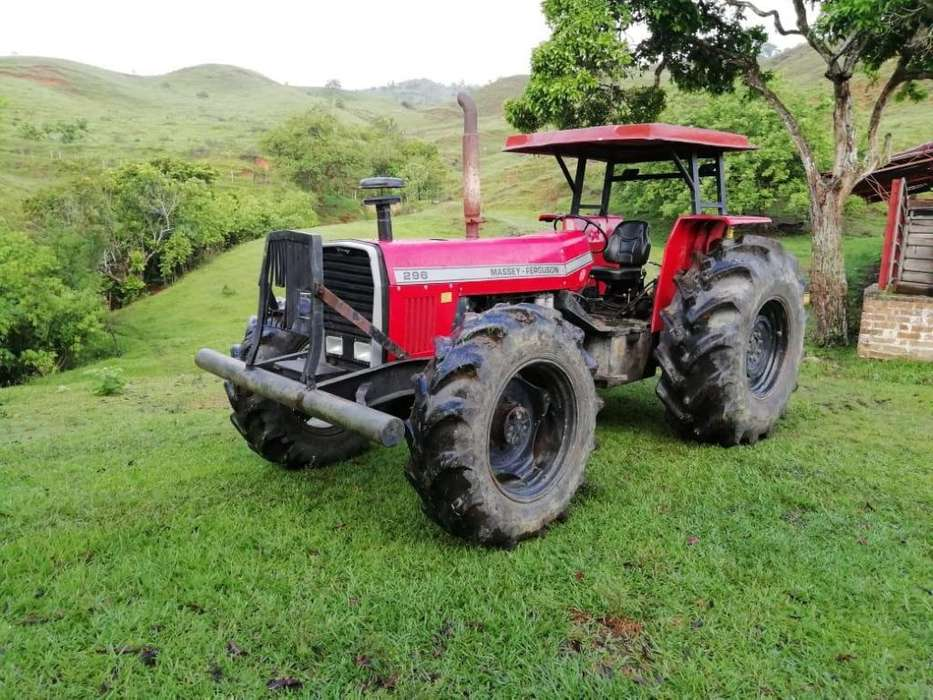 Tractor Massey Ferguson 296. Doble Tracción.