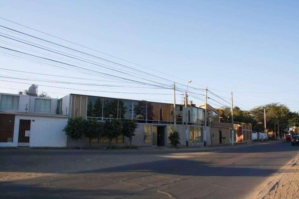 VENTA DE LOCAL COMERCIAL EN CAMINO A HUACACHINA ICA.