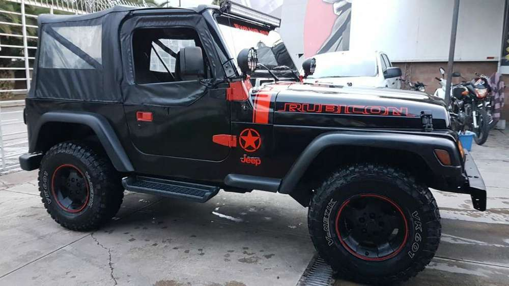 Jeep Wrangher 10.000 Charlable