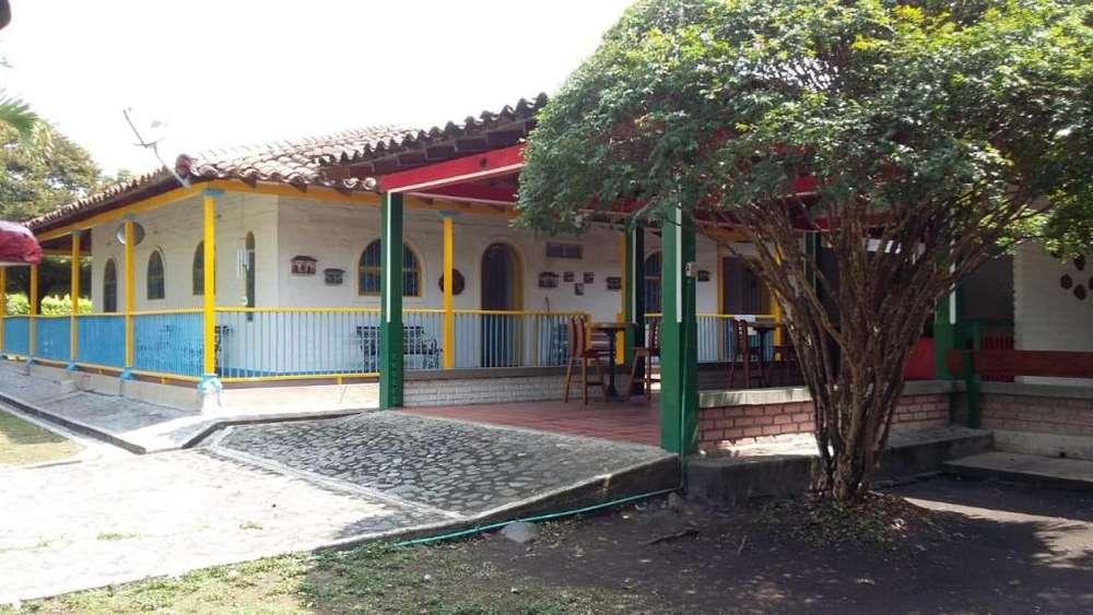 Hermosa casa campestre en Santa Elena cerca a Palmira