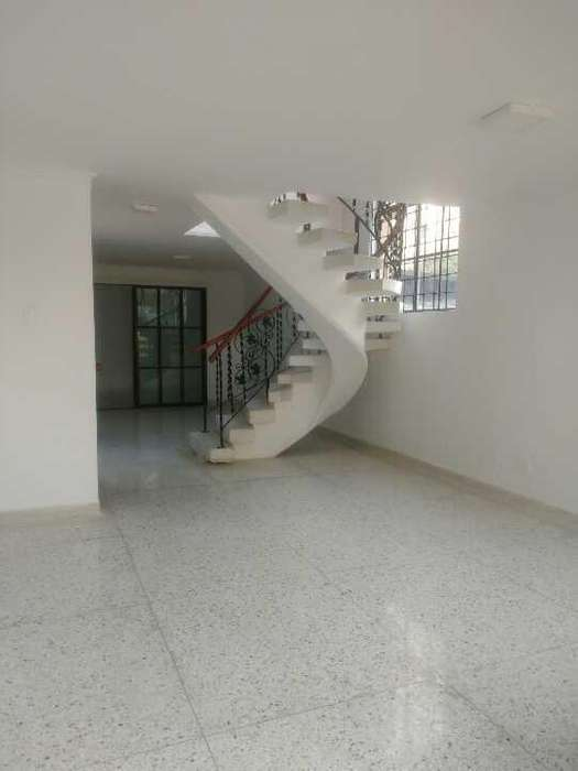 Arriendo casa dos pisos conjunto, barrio riomar - wasi_1073711