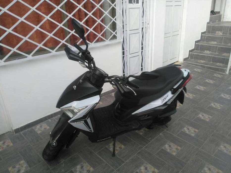 Moto Kymco Rocket