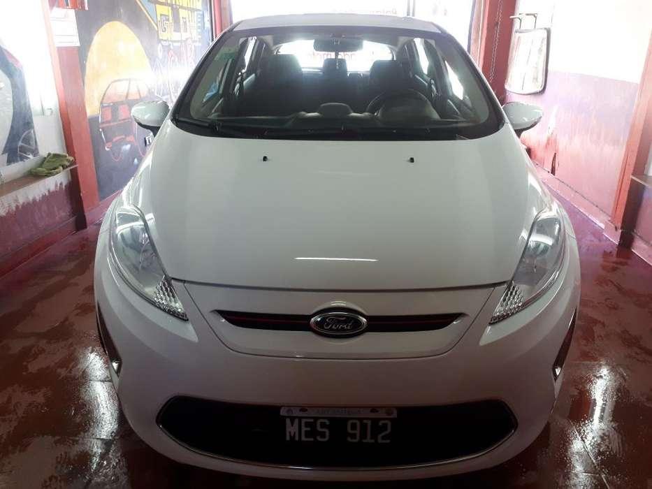 Ford Fiesta  2013 - 63500 km
