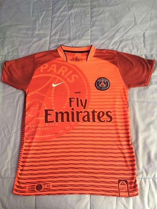 Camiseta <strong>deportiva</strong> Paris Seminueva