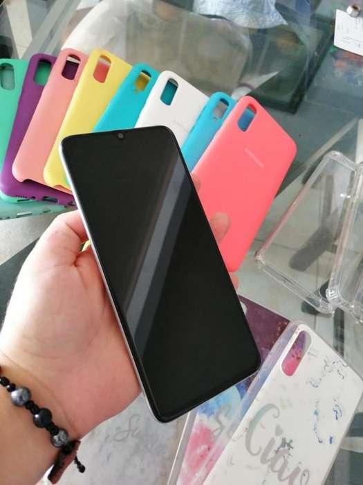 Samsung A70 Y 18 Forros Excelente Estado