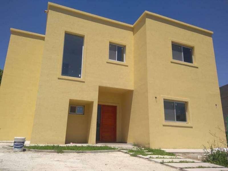Excelente casa en alq en el barrio Santa Guadalupe, Pilar del Este.