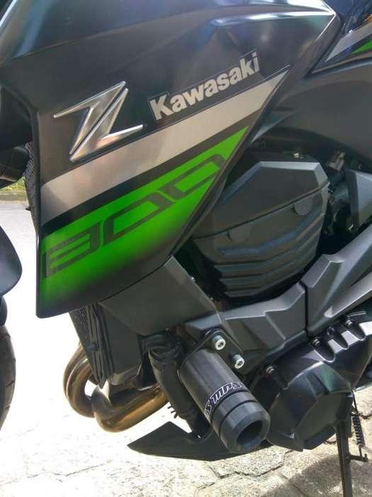 SLIDER MOTO KAWASAKI Z800
