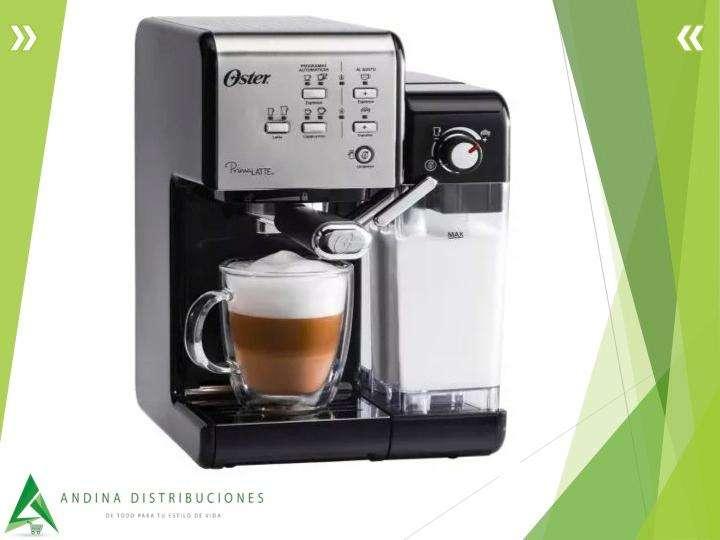 Cafetera Primalatte Oster, Para Capuccino, Bvstem6701ss054