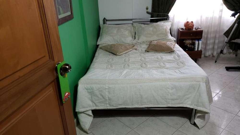 se vende una <strong>cama</strong> metalica de 90x 190 muy bonita