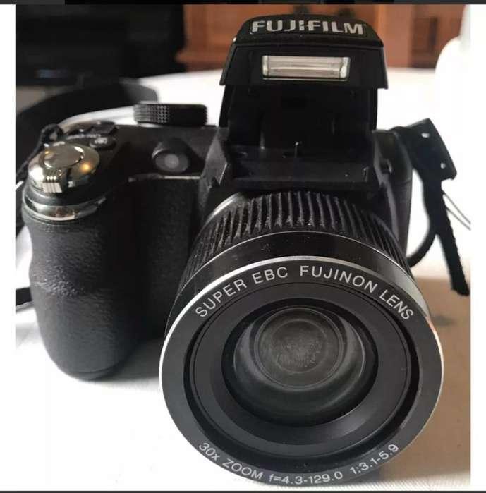 Vendo O Cambio..cámara Fujifilm Profesi