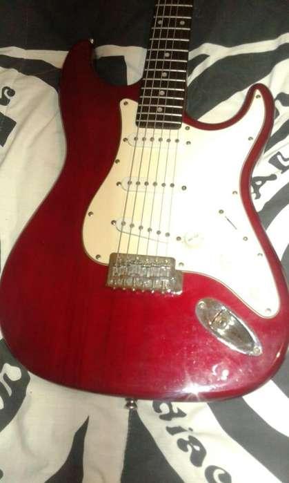 Vendo o Permuto Guitarra Aria STG-Series.