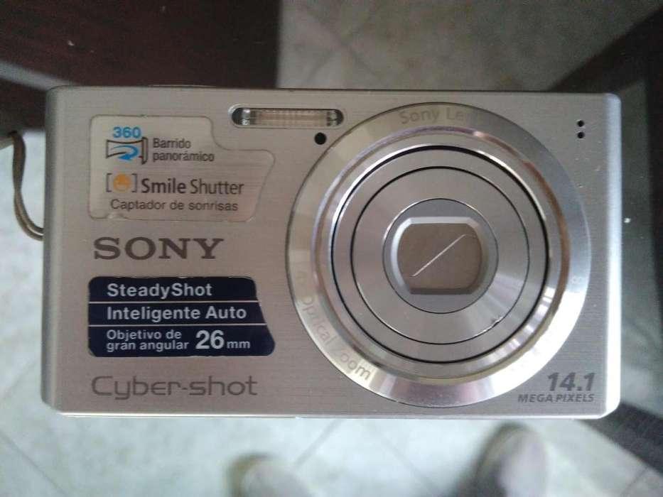 Cámara digital Sony CyberShot 14,1 Mega Pixels
