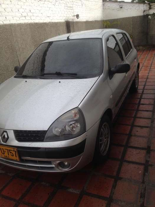 Renault Clio  2008 - 114300 km