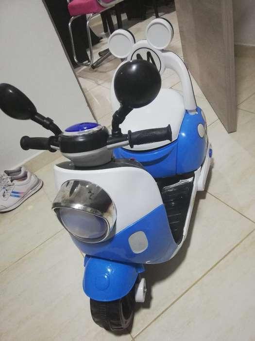 Vendo Moto, Niñ@ de Batería