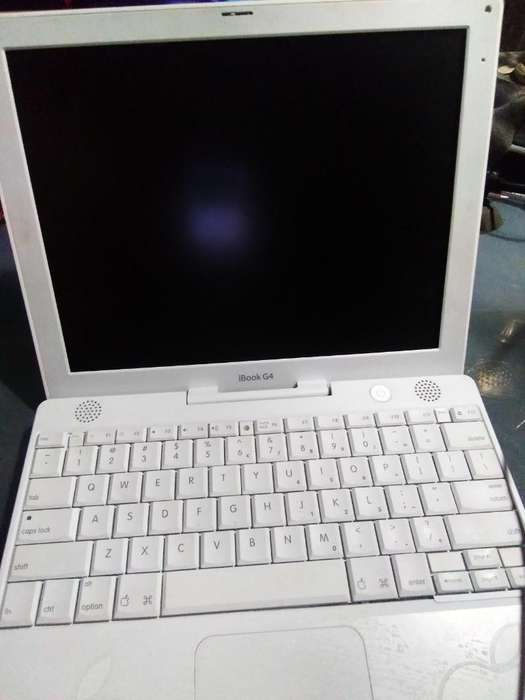 Antigua Lapto Apple Ibook G4. Revisar