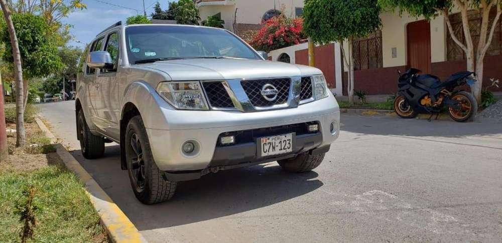Nissan Pathfinder 2009 - 105000 km