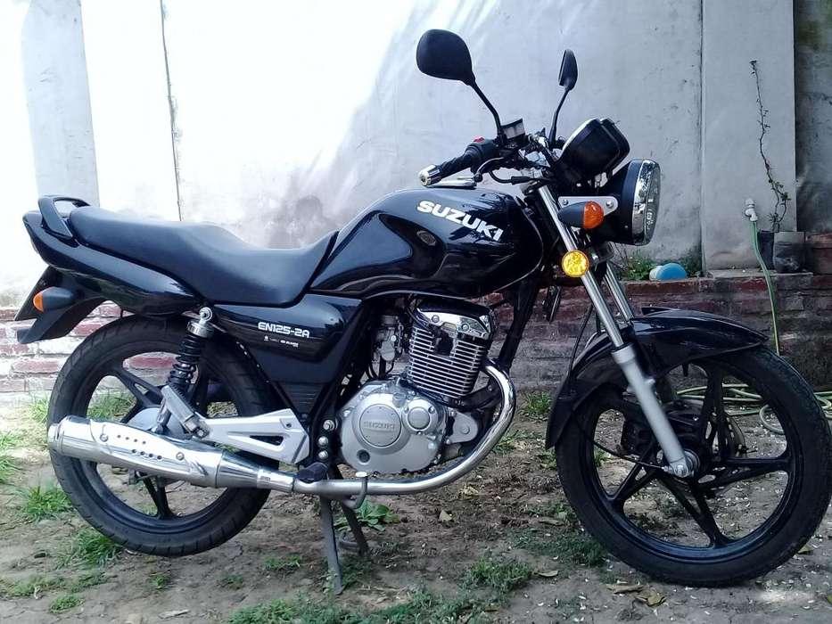 <strong>moto</strong> SUZUKI EN125-2A MOD.2018