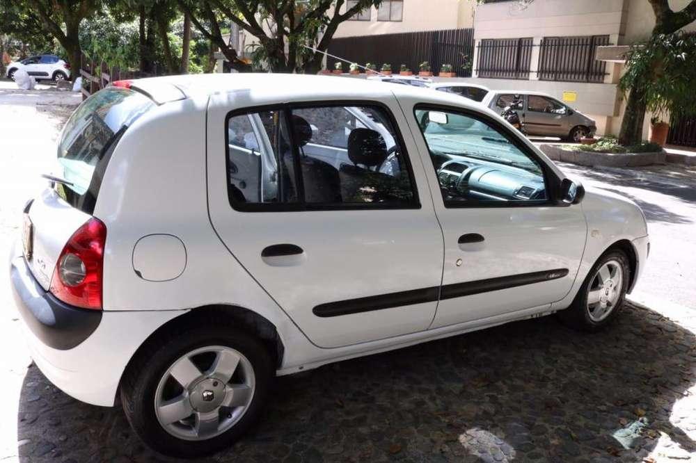 Renault Clio  2011 - 130000 km