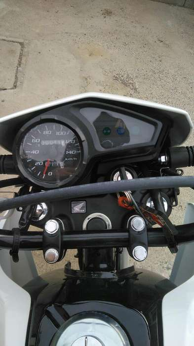 <strong>moto</strong> Honda Xr150l Poco Uso 72km Escucho