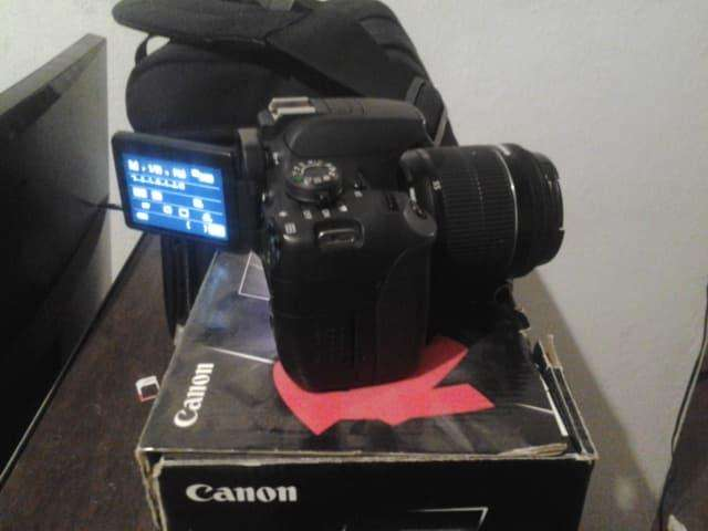 Camara canon t5i y bolso canon 100DG vendo o cambio