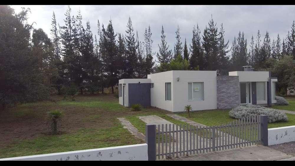 Venta de Terreno 2000 m², con Casa - en Malchinguí