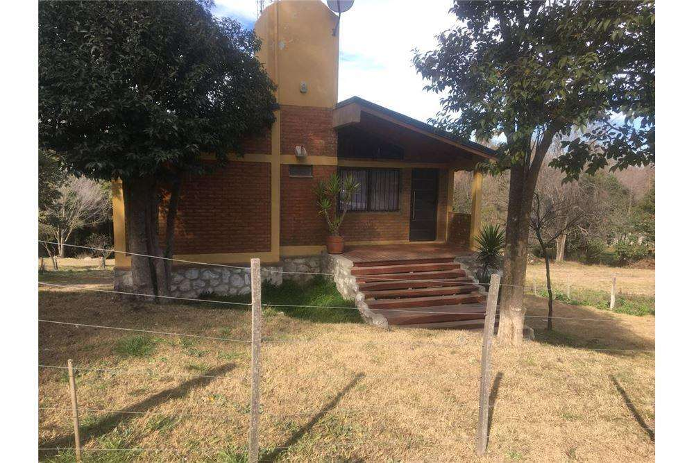 CASA HUERTA GRANDE CON ARROYO, 2800 M2