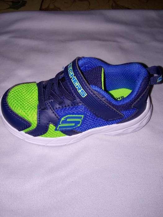 Vendo Tennis para Niño Skechers