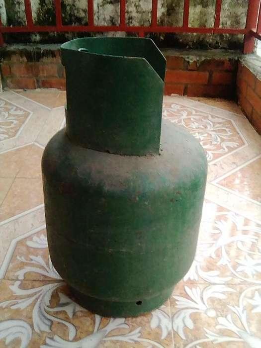 pipa de gas o cilindro de 20 libras vacia