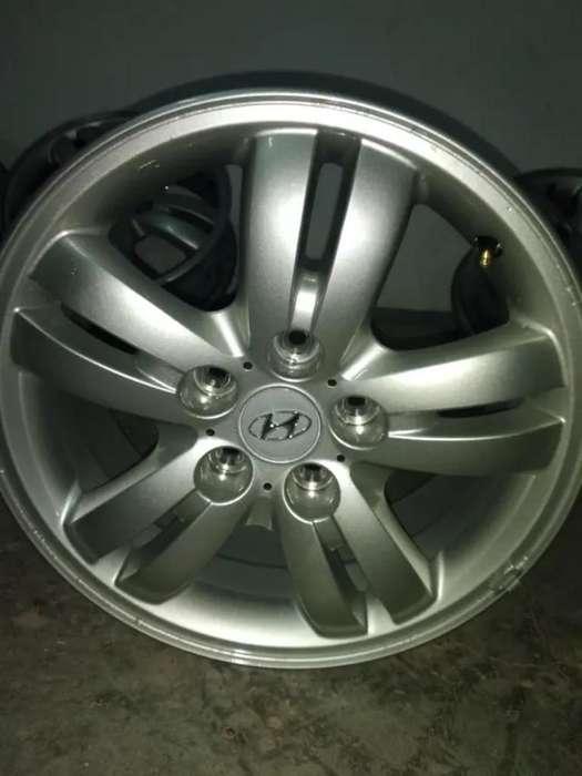 <strong>llanta</strong> Hyundai Tucson sin Cubierta