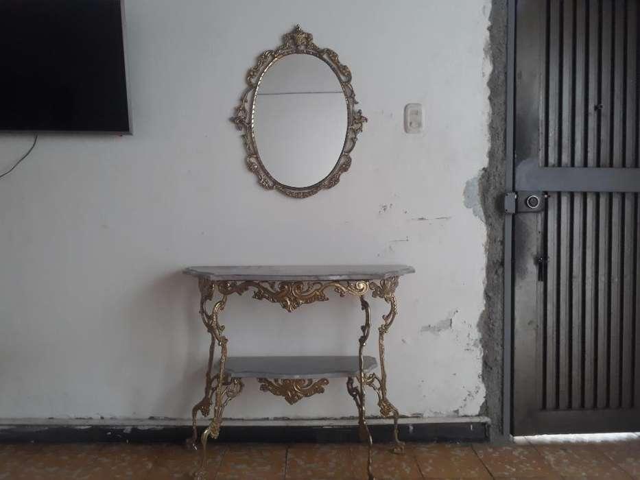 Mesa Victoriana con Su Espejo Original