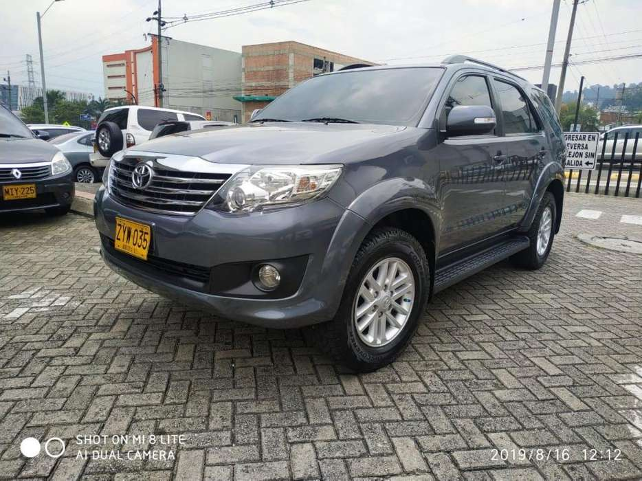 <strong>toyota</strong> Fortuner 2015 - 45300 km