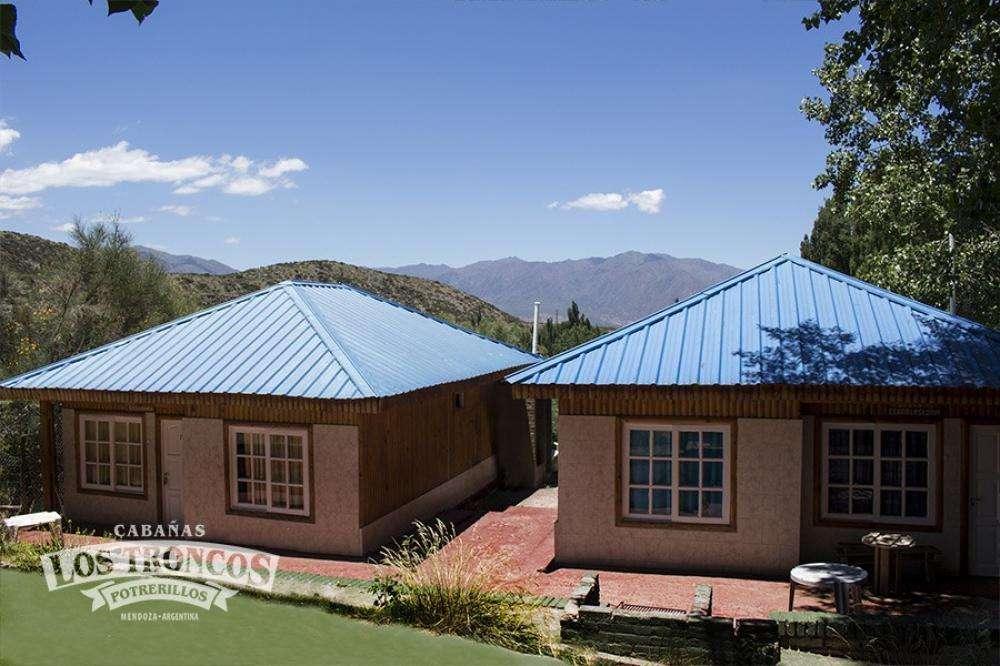 dn89 - Cabaña para 2 a 10 personas con pileta y cochera en Potrerillos