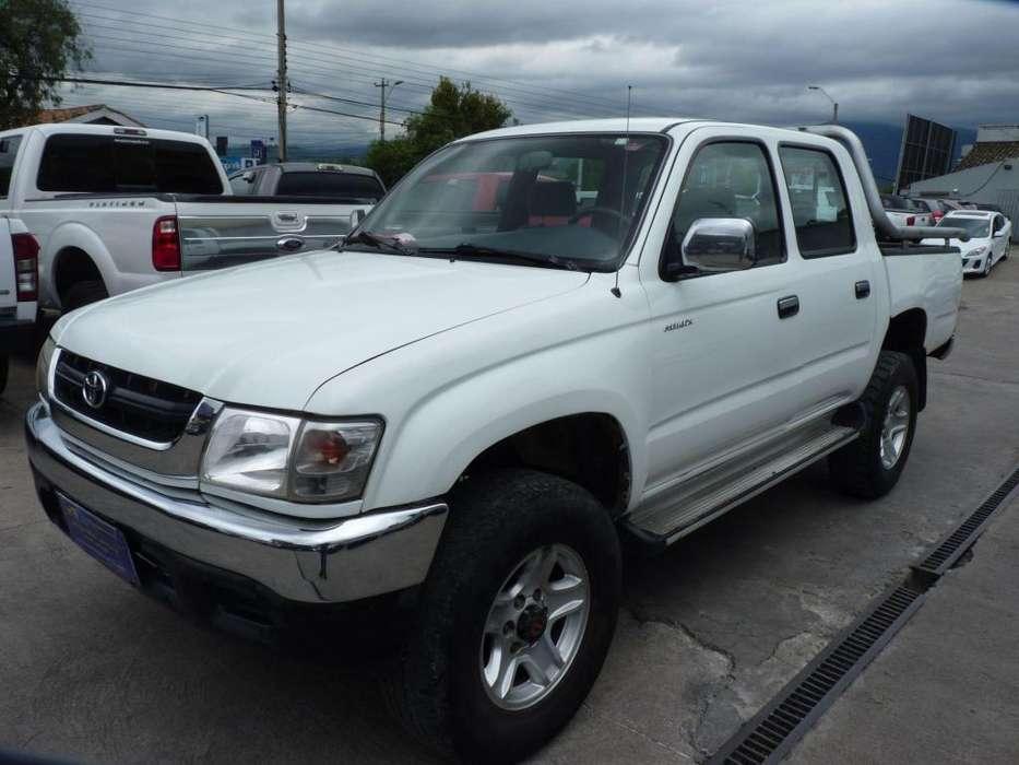 Toyota Hilux 2005 - 341280 km