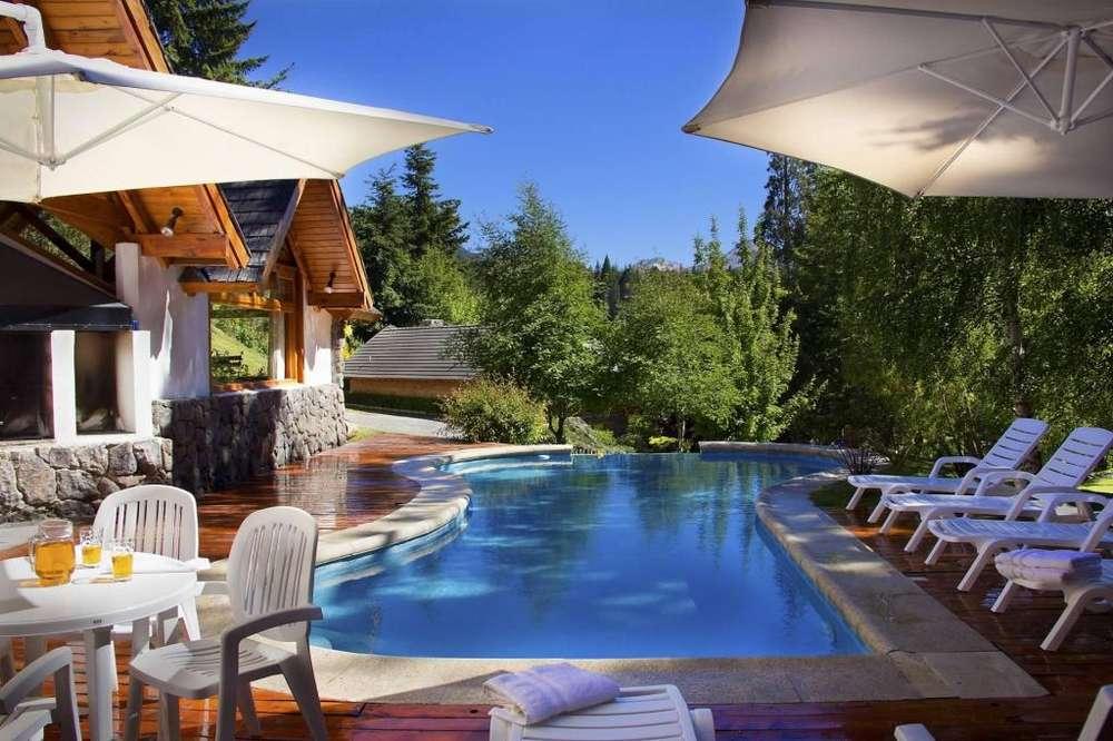 ak14 - Cabaña para 2 a 9 personas con pileta y cochera en Villa La Angostura