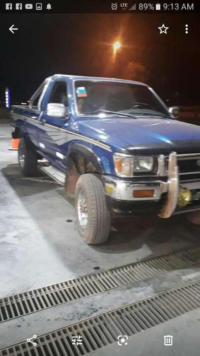 Toyota Hilux 1994 - 11111 km