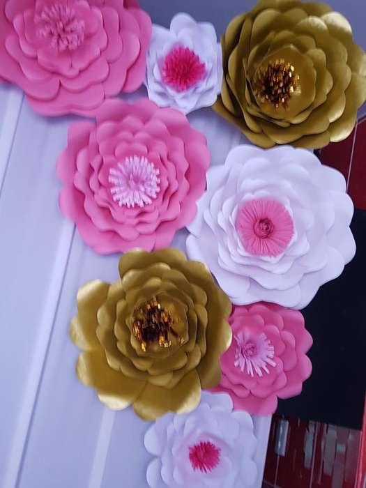 Se Hacen Flores de Papel