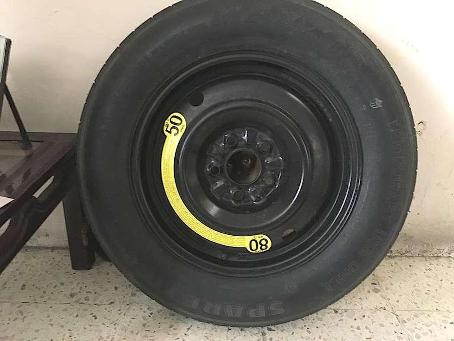 <strong>llanta</strong> Spare tire con aro incluido.