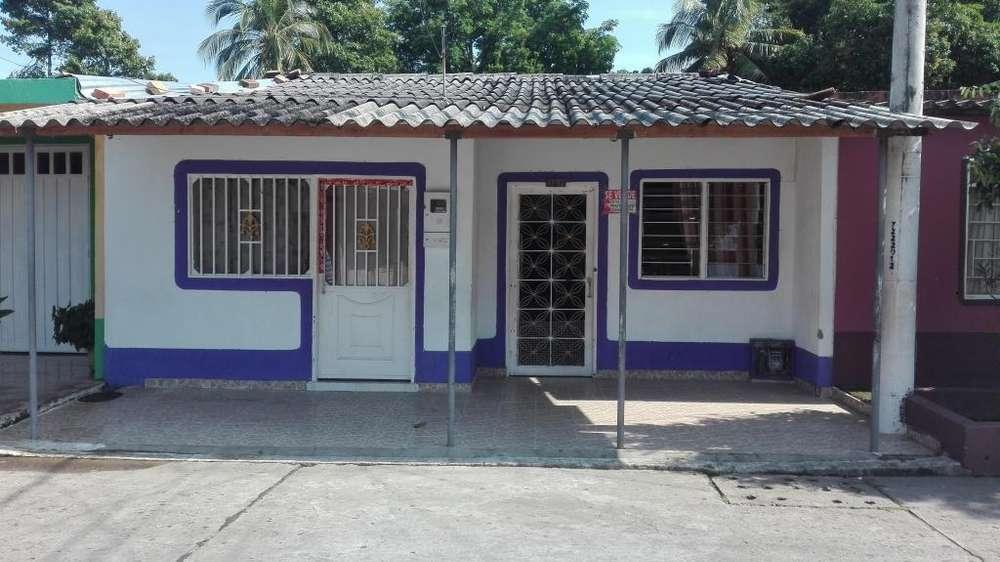 Casa amplia con apartamento incluido con escrituras Barrio Maria eugenia