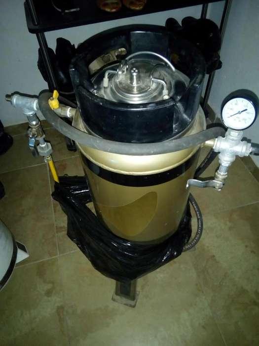 Se Vende o permuta Maquina de Sandblasting para Compresor
