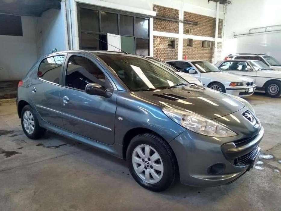 Peugeot 207 Compact 2009 - 143000 km