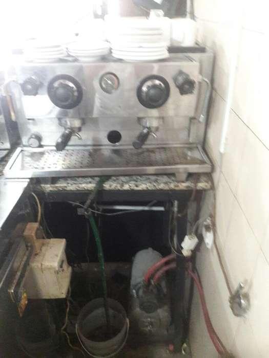 Cafetera Express 2 Bocas con Compresor