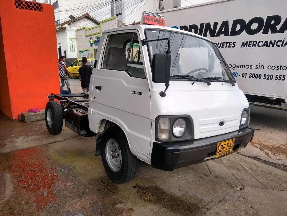 Kia Otros Modelos 2001 - 100 km