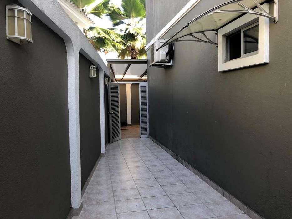 Venta de departamento en Urb. Central Park Samborondon, 2 plantas 4 dormitorios
