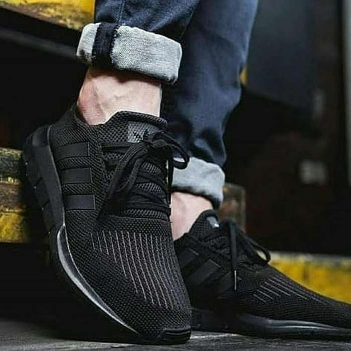Zapatos Adidas Swift Run Negros