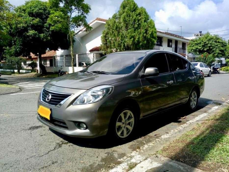 Nissan Versa 2015 - 55000 km