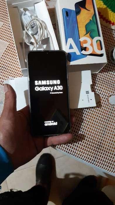 Vendo Celular <strong>samsung</strong> A30 de 64