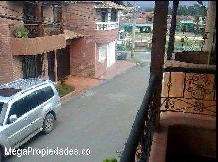 Habitacion 2 personas 590mil todo incluido cerca a UdeA Exito Carulla D1 Justo y Bueno Airport 312 644 66 00