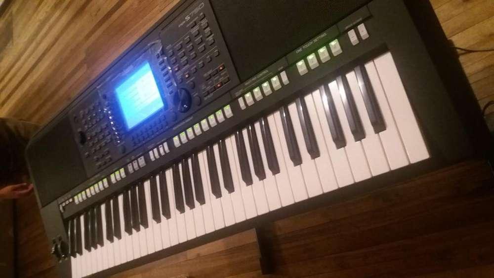 PIANO SINTETIZADOR YAMAHA PSR-S750 *NUEVO*