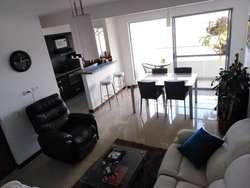 Hermoso apartamento en club residencial.